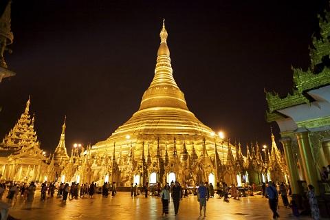 Đi bộ xung quanh chùa Shwedagon