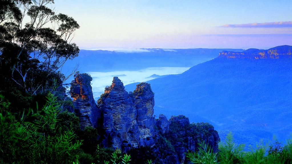 Blue Mountains trong ban mai