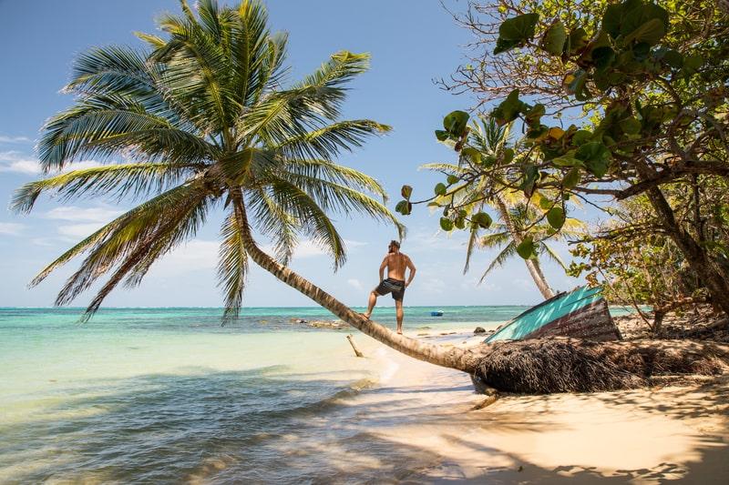 Tìm 5 bãi biển yên bình nhất Trung Mỹ cho kì nghỉ hè này