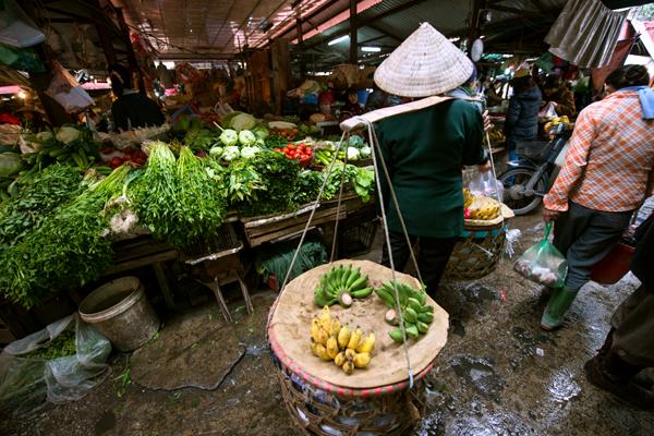 Chợ bình dân Việt Nam