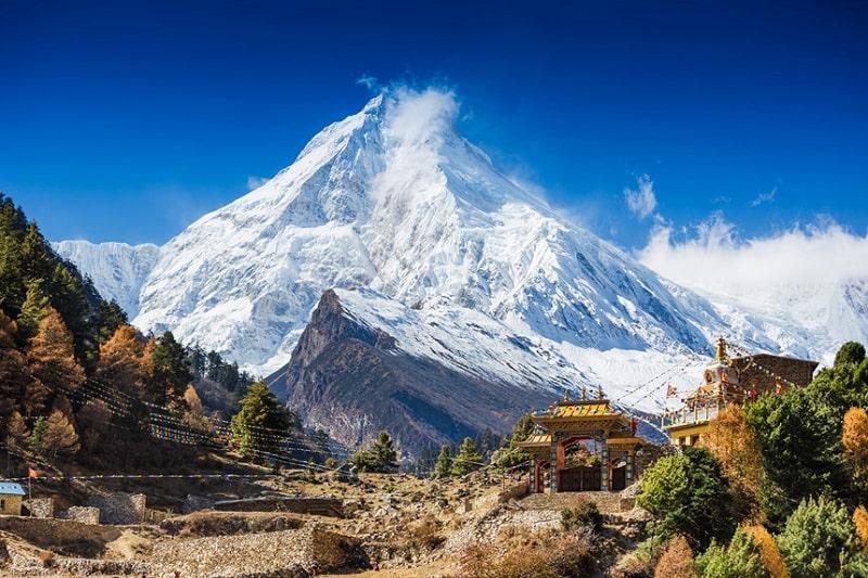 Nepal với độ cao địa hình trung bình đứng thứ hai