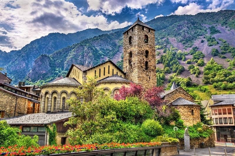 Andorra là một trong những quốc gia nhỏ nhất thế giới