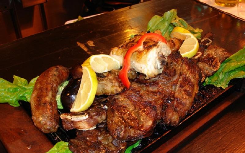Asado - món nướng truyền thống của quốc gia Uruguay