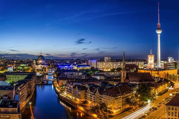 Berlin rực rỡ ánh đèn về đêm