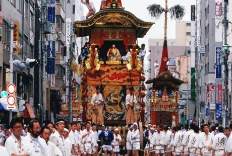 Mua ve di Osaka tham gia le hoi Danjiri day soi dong