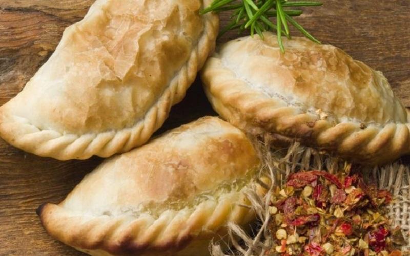 Empanadas món ăn nhanh nổi tiếng ở Nam Mỹ