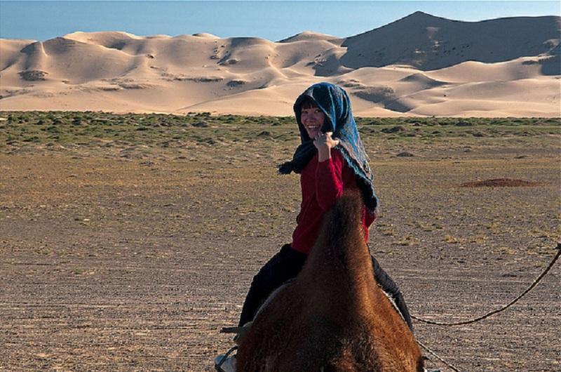 Trải nghiệm cưỡi lạc đà Bactria