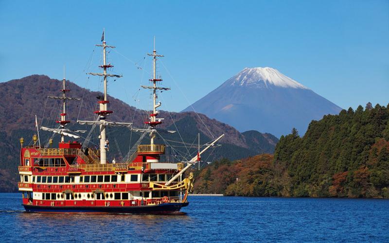 Say đắm trước vẻ đẹp thiên nhiên ở Hồ Ashinoko