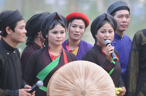 Hoi%20Lim3 Những lễ hội xuân đặc sắc của miền Bắc