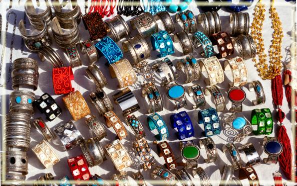 Đồ trang sức được bày bán ở các khu chợ Jaipur