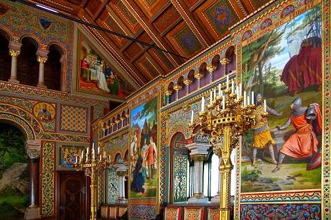 Bích họa hiệp sĩ thiên nga Lohengrin trong lâu đài ở Đức