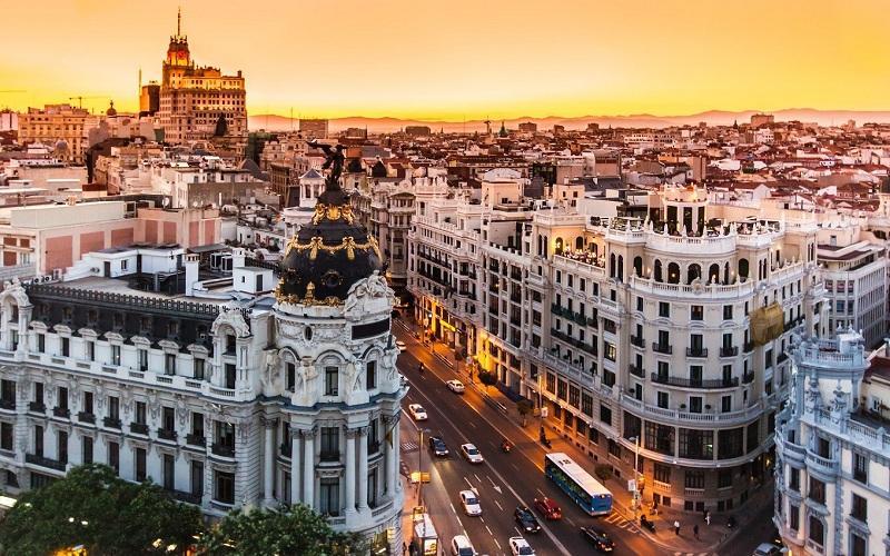 Madrid siết chặt việc du khách thuê nhà dân