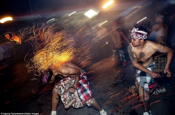 Lễ hội Mesabatan Ap – Indonesia2
