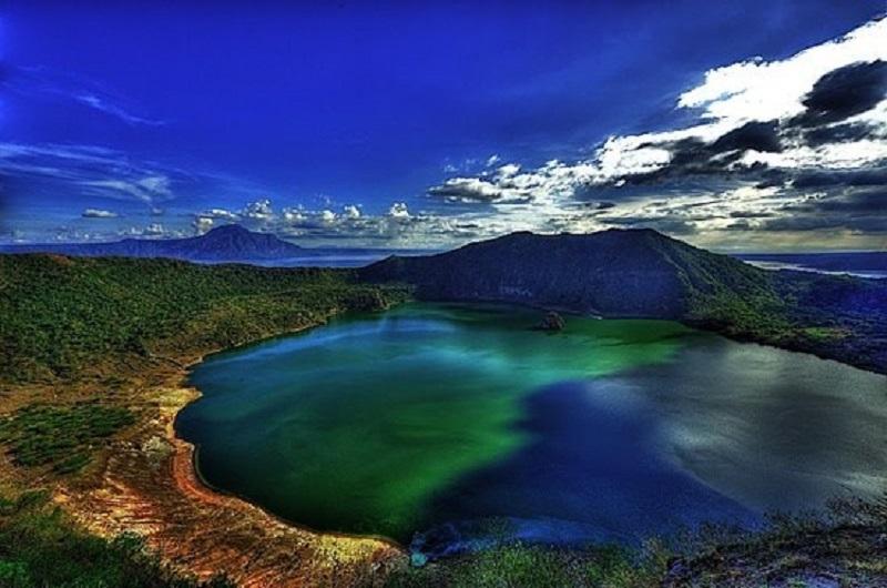 Tagaytay còn có núi lửa Taal