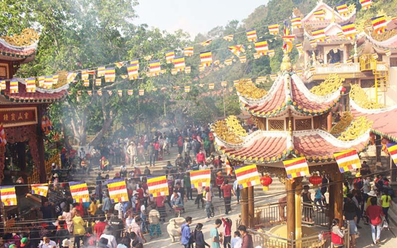 Đến nóc nhà Đông Nam Bộ tham gia lễ hội tháng Giêng