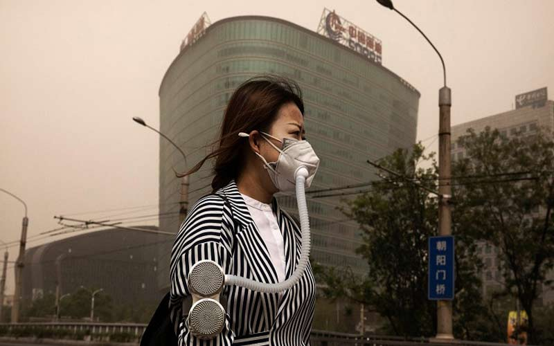 """Làm sao để """"đối phó"""" với ô nhiễm không khí khi đi du lịch?"""
