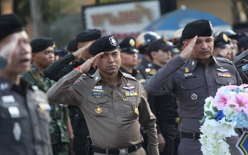 Tại sao Thái Lan cấm cảnh sát không đeo kính râm?