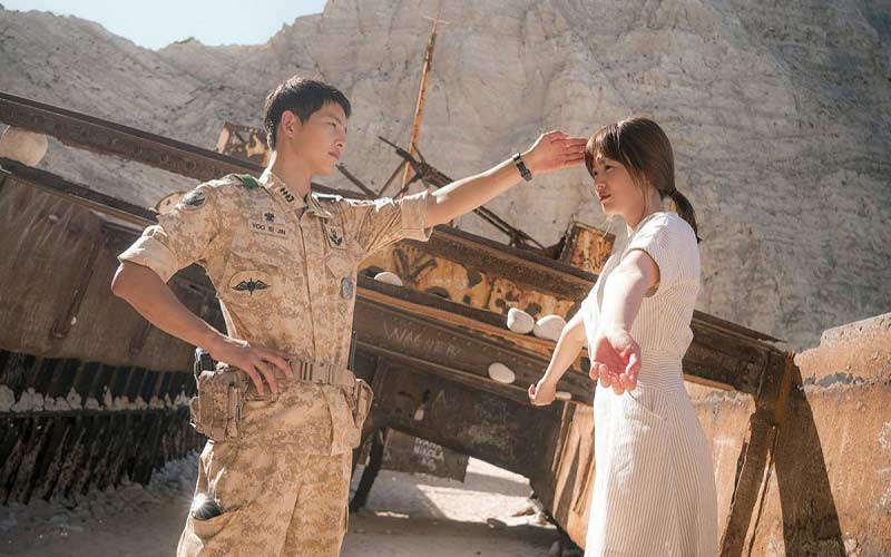 Phim trường 'Hậu duệ mặt trời' quá tải khách sau vụ ly hôn Song – Song