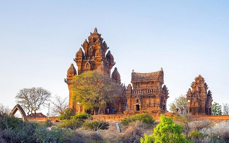 Tháp Chăm vốn quí di sản Việt Nam