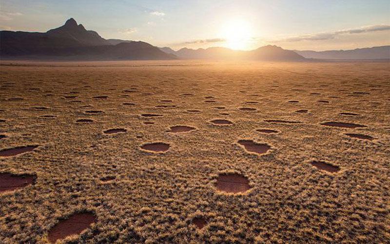 Những hiện tượng bí ẩn chưa tìm được lời giải tại các sa mạc