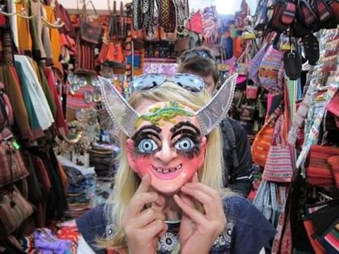 Khu chợ phù thủy kỳ lạ không dành cho người yếu tim ở Bolivia