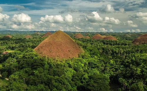 Những bí ẩn xoay quanh các ngọn đồi Chocolate ở Philipines
