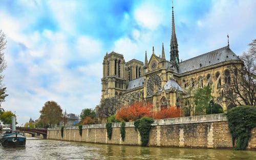 Những bí mật về nhà thờ Đức Bà Paris – trái tim của nước Pháp