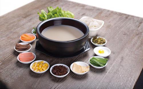 Du lịch Lệ Giang - Vân Nam đừng quên thưởng thức món Bún qua cầu