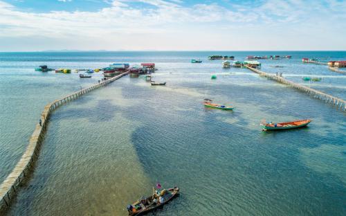Ghé thăm làng chài Rạch Vẹm – vương quốc sao biển xinh đẹp của đảo ngọc