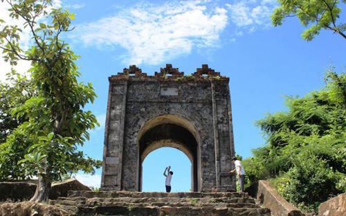 Hoành Sơn Quan - cổng trời trăm tuổi trên đỉnh Đèo Ngang