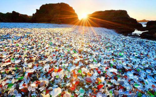 Khám phá Glass Beach – bãi biển thủy tinh trên Vịnh Ussuri