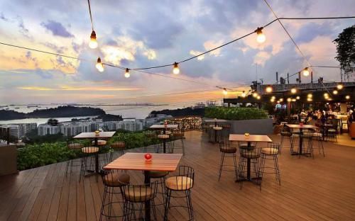 Chọn ngay quán cà phê ngắm vịnh đẹp như mơ ở Singapore