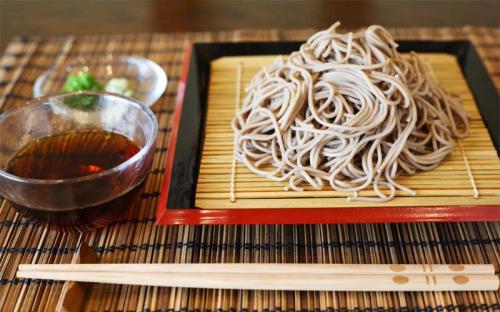 Giải nhiệt mùa hè từ món ăn độc lạ: mì cà phê Nhật Bản