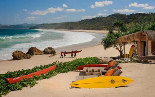 """Ngẩn ngơ trước vẻ đẹp của đảo Sumba """"viên ngọc ẩn""""ở Indonesia"""