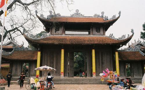 Về miền Kinh Bắc, thăm ngôi chùa có hơn 100 pho tượng đất cổ