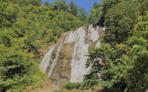 Cuối tuần về Ninh Thuận ngắm thác Chaper