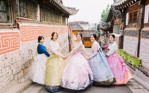 Ngôi làng cổ thanh bình giữa lòng Seoul náo nhiệt