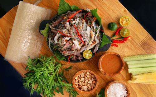 Gỏi cá trích Phú Quốc món ăn nhất định phải thử khi đến đây