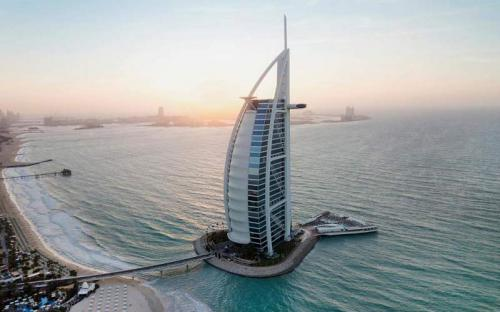 Burj Al Arab Jumeirah: thư giãn tại khách sạn sang trọng nhất thế giới