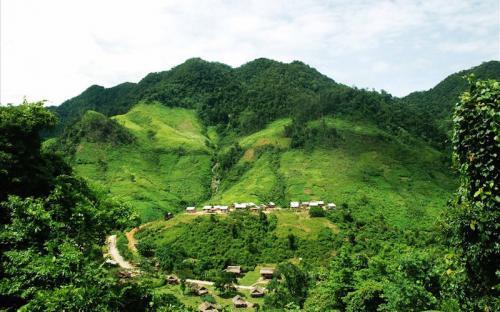 Tà Vờng - Ngôi làng kỳ thú nơi gió núi, mây ngàn