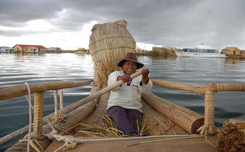 Uros, quần đảo nhân tạo có một không hai ở Peru