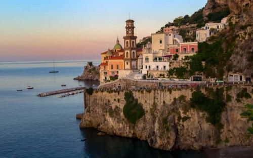 Atrani - một thị trấn chưa được khám phá trên bờ biển Amalfi, Ý