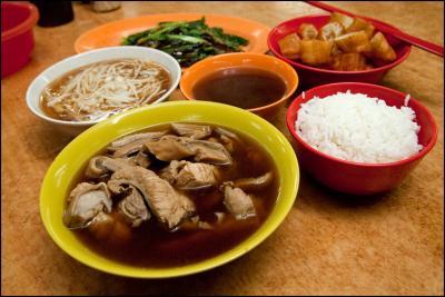 Canh sườn heo - món ăn nổi tiếng của Singapore