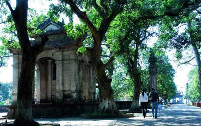 Những đền, chùa cầu duyên nổi tiếng linh thiêng ở Việt Nam (P1)