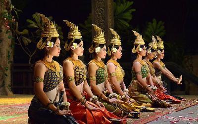 Con đường bích họa văn hóa Khmer – nét chấm phá mới cho du lịch Trà Vinh
