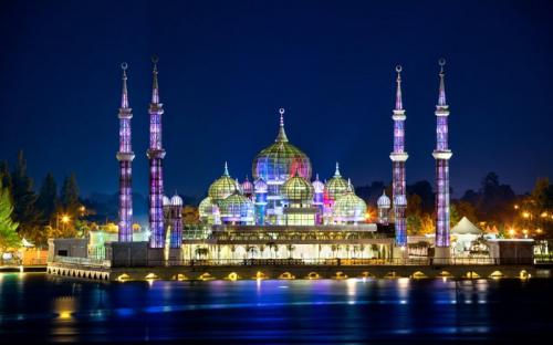 """13 Nhà thờ Hồi giáo đẹp nhất Malaysia """"đốn tim"""" du khách từ cái nhìn đầu tiên (P.1)"""
