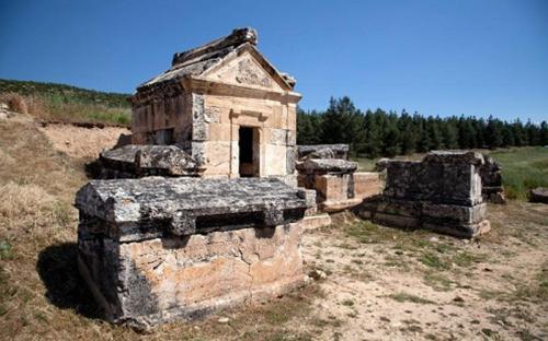"""Bí ẩn về """"cổng địa ngục"""" đến gần là chết của đền cổ ở Thổ Nhĩ Kỳ"""