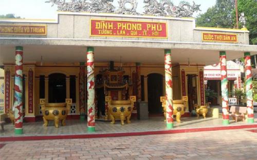 Thiêng liêng đình Phong Phú