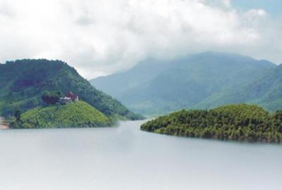 Hồ Thanh Lanh - Vẻ đẹp tuyệt mỹ