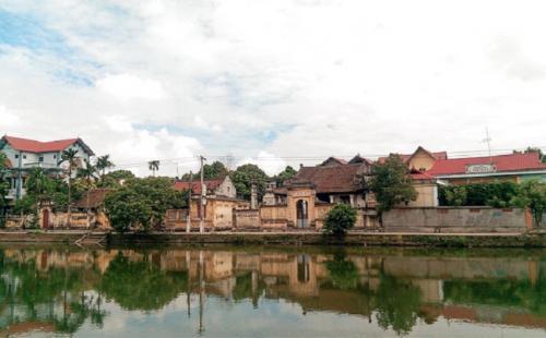 Về làng Nôm đi tìm làng Việt cổ